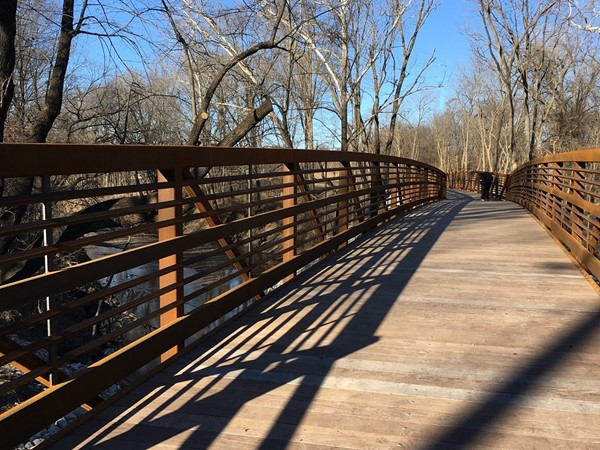 New footbridge connecting Jesse James and Mack Porter Parks