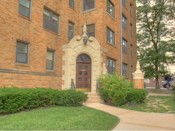 Robert Louis Stevenson Condominiums