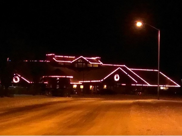 Clubhouse at Staley Farms decorated for Christmas