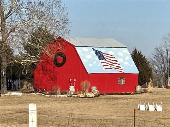 Red barn in Bonner Springs