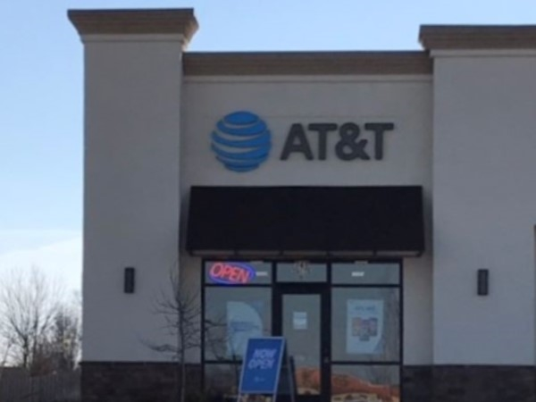 New AT&T store located next to Price Chopper