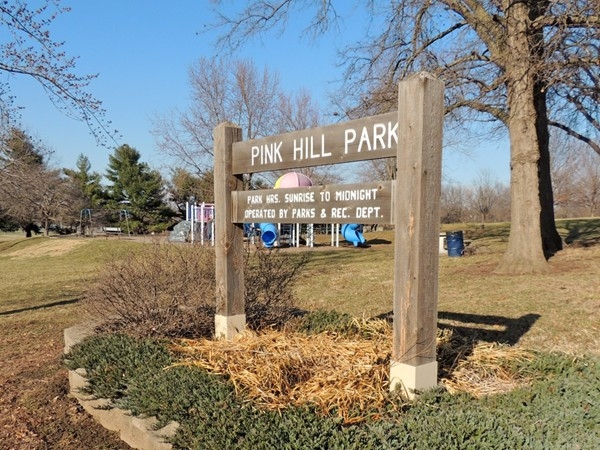 Within walking distance to Burr Oak Woods Nature Center and Pink Hill Park
