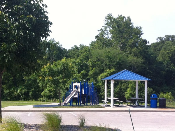 Happy Rock Park offers 2 playgrounds for the little ones to enjoy.