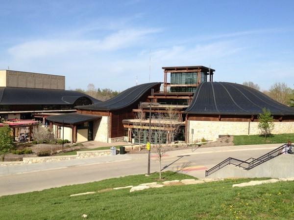 Kansas City Zoo Deramus Education Building