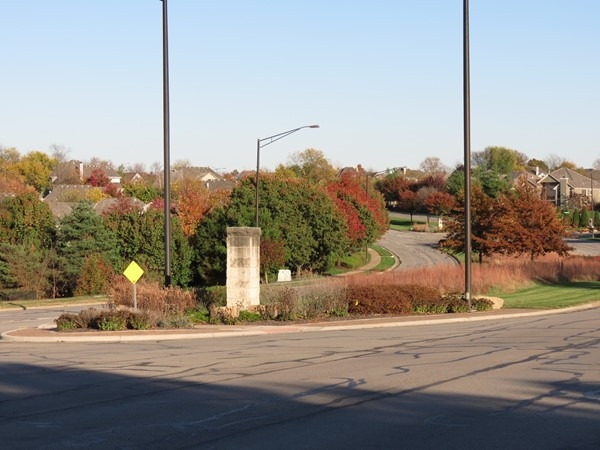 Another view of Prairie Star Parkway from the Highland Crest entrance