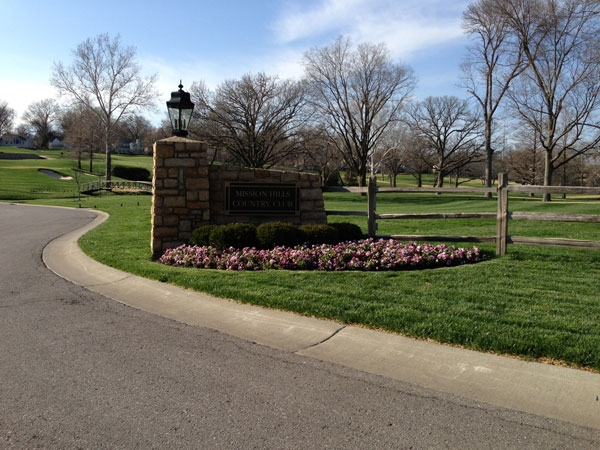 Entrance to the Mission Hills Golf Course