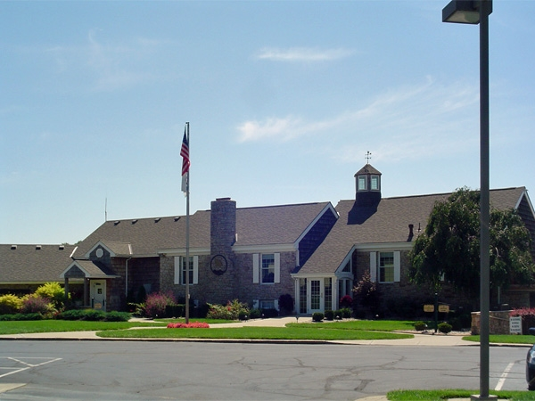 Clubhouse at Raintree Lake