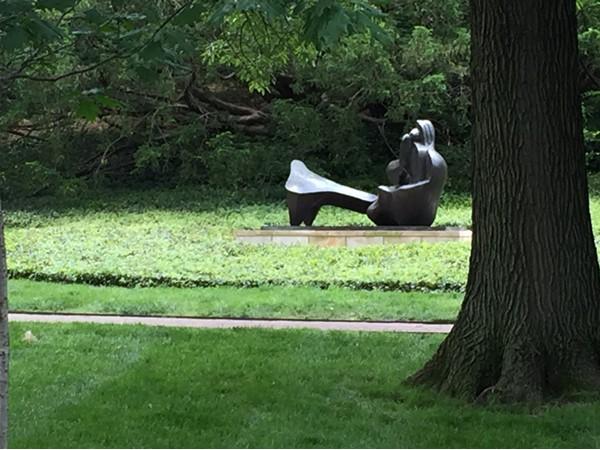 Nelson-Atkins Museum of Art outdoor sculpture