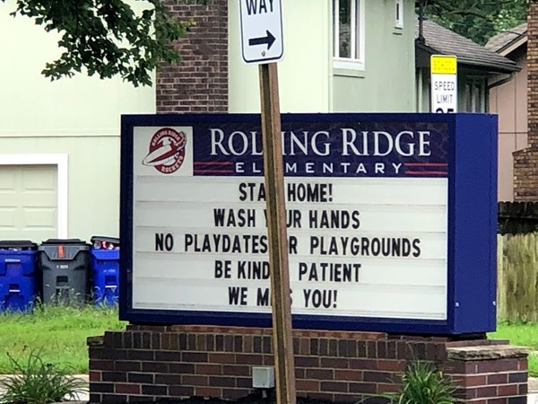 Rolling Ridge Elementary School is nearby