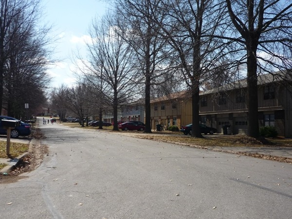 Northwest 6th Street from Meadowview Drive in Country Club North