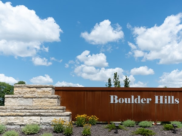 Entry monument for Boulder Hills in Olathe