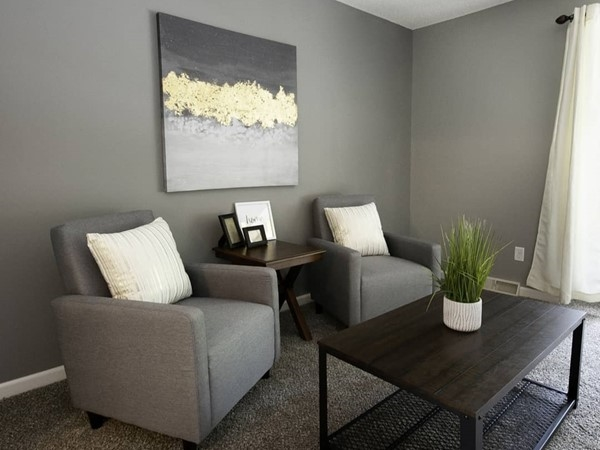A beautifully staged sitting area at Royal Oaks in Grandview. Courtesy of Staging Dreams