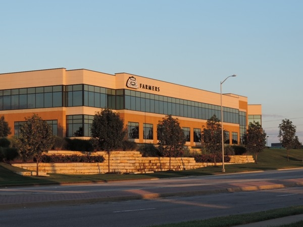 Farmer's Insurance employees almost 2000 in Olathe, KS