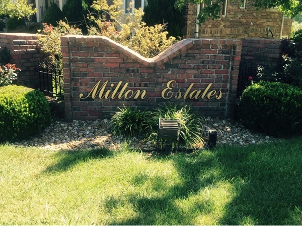 Entrance to Milton Estates located right off of Lees Summit Road
