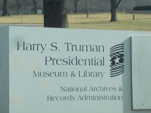Explore the Truman Presidential Museum and Library