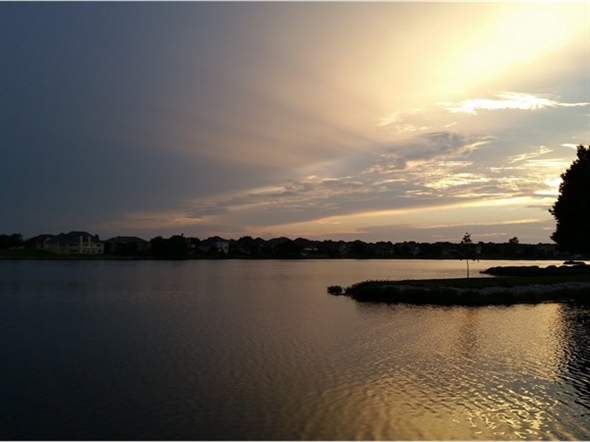 Beautiful evening on Raintree Lake