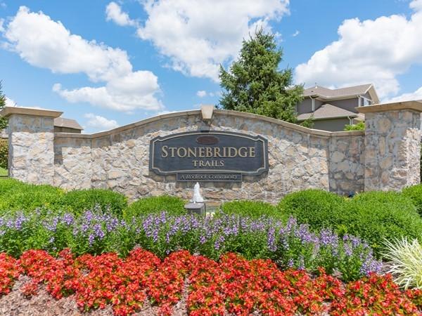 Stonebridge Trail entry monument Olathe KS - A Rodrock development