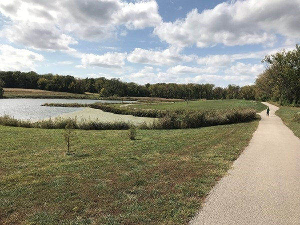 Walking trails at Cleveland Lake