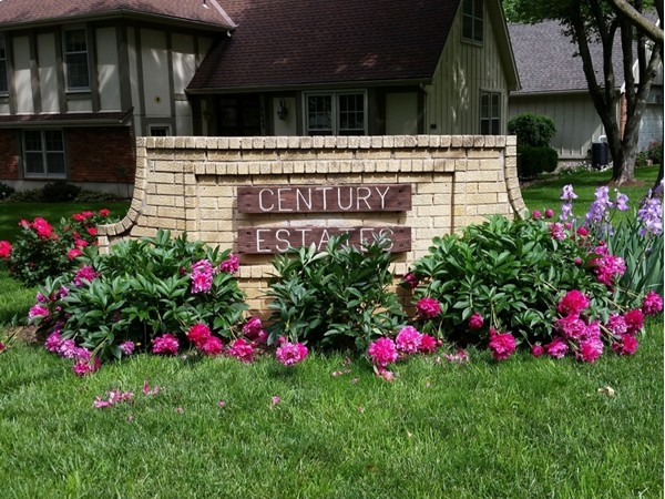 Century Estates in Lenexa enjoys amenities within walking distance