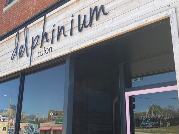If you are looking for a new salon, you must go to Delphinium