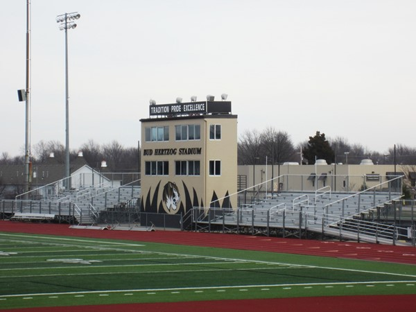 Bud Hertzog Stadium at Lee's Summit High School