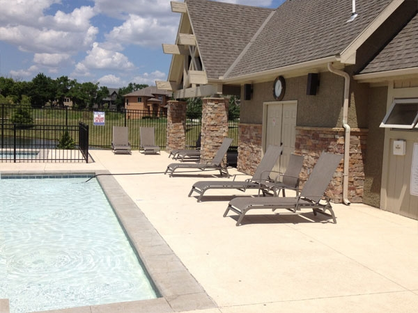 Lakeshore Estates Clubhouse and Pool