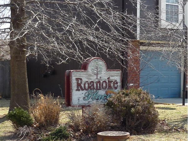 The sign at the entrance to Roanoke Place