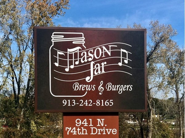 Mason Jar - The best burgers in town