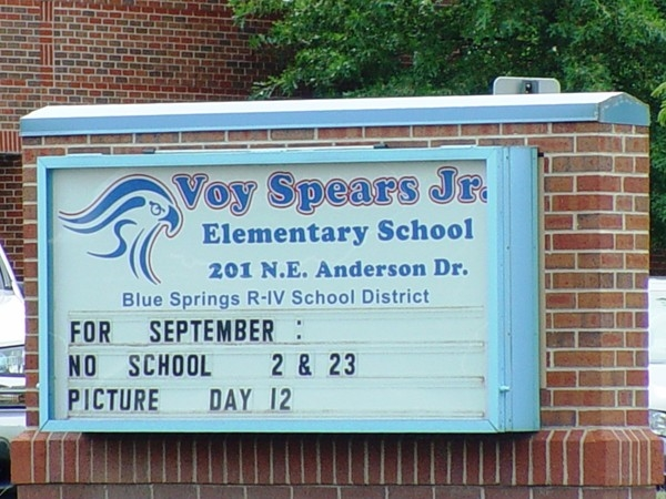Voy Spears Jr. Elementary School in Oakridge Meadows, Lee's Summit