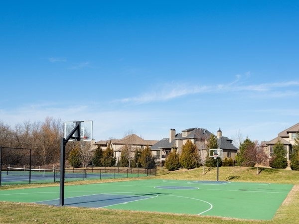 Basketball court at Mills Farm Overland Park