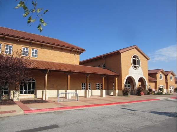 Great feature of Mission is the popular Sylvester Powell Community Center!  Recreation for all ages