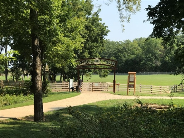 Entrance to Leawoof Dog Park