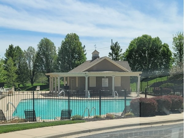 Prairie Highlands pool and clubhouse in Olathe