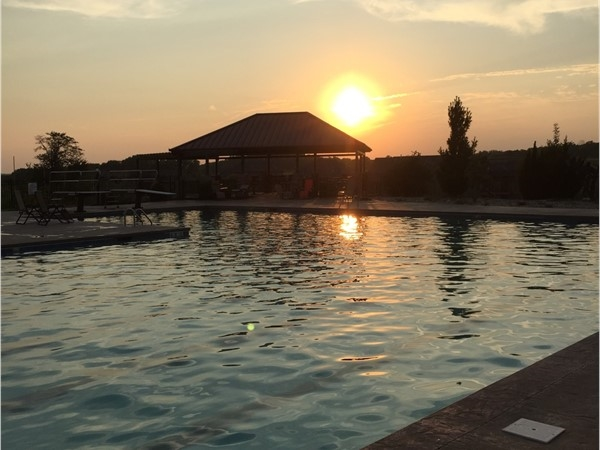 Beautiful evening hanging out at the Seven Bridges pool