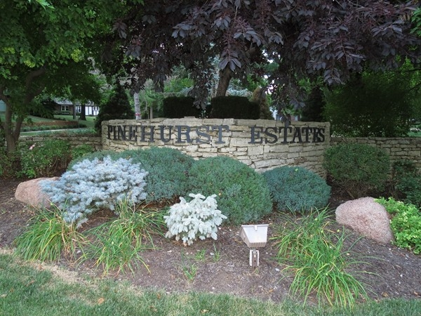 Find it all at Pinehurst Estates in Overland Park