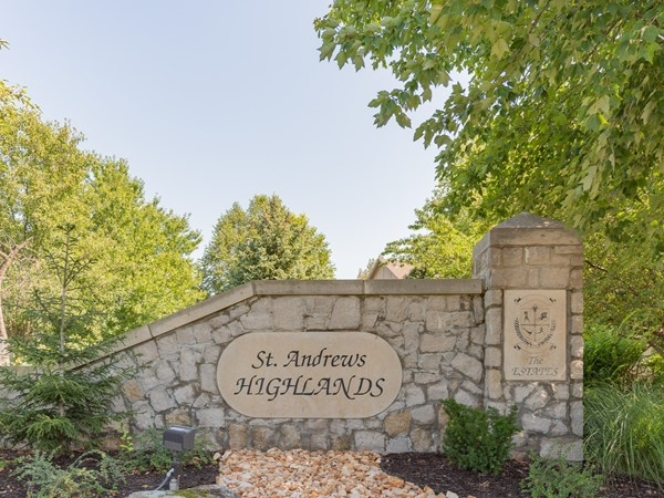 St Andrews Highlands - The Estates entry monument in Overland Park