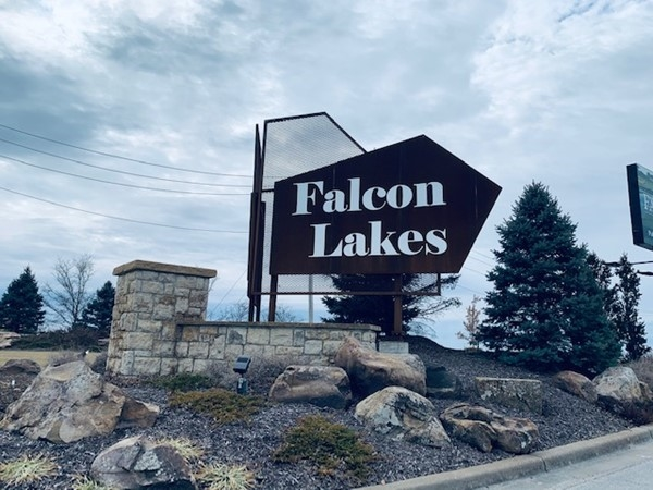 Welcome to Falcon Lakes