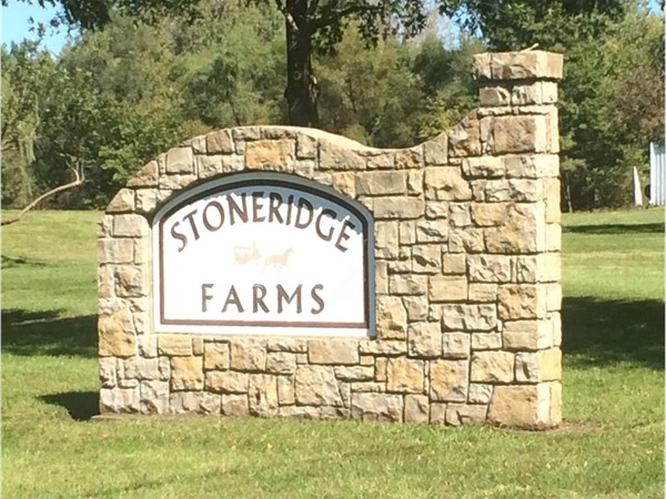 Entrance to Stoneridge Farms