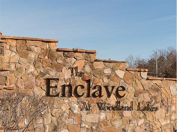 Entry monument for Enclave at Woodland Lakes