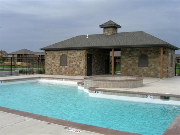 Estates of Wolf Creek swimming pool.