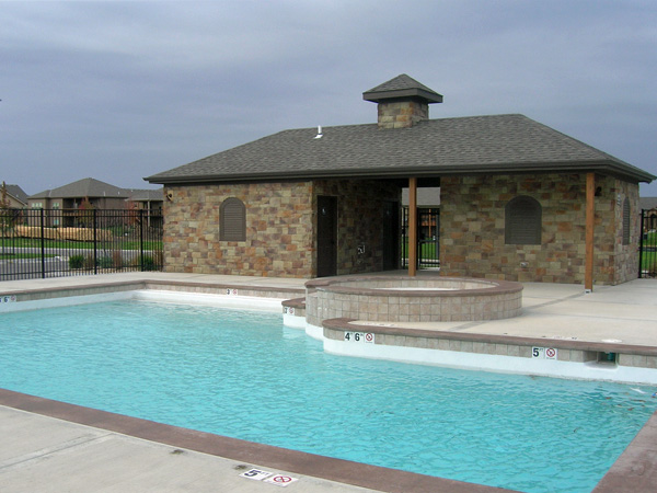 Estates of Wolf Creek swimming pool.