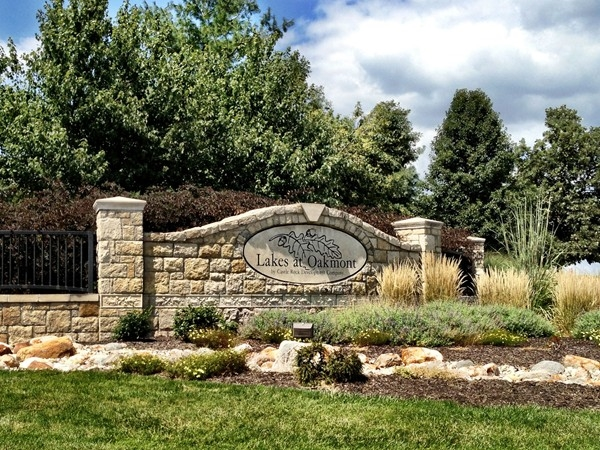 Lakes at Oakmont: A well-maintained, beautifully designed, and popular address in Platte City