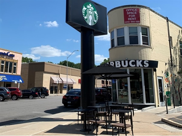 Love this almost vintage style Starbucks