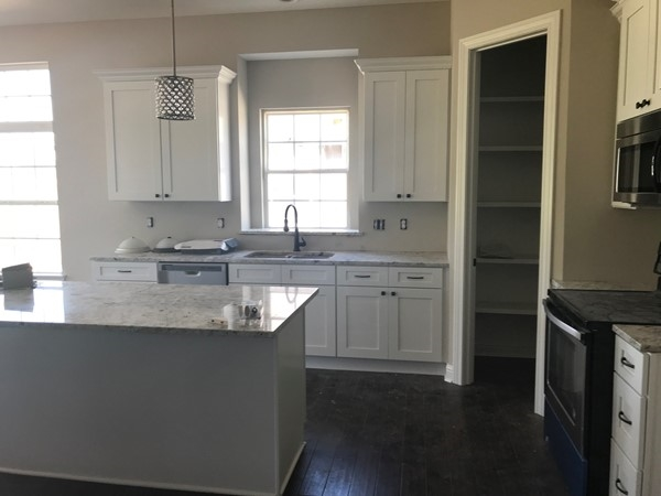 Brand new white kitchen in NewBerry at Piper