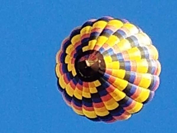 Balloon over Nottingham Lake, Overland Park