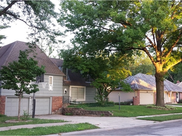 Quiet streets, mature trees, a variety of floor plans-that is Nall Hills in Overland Park