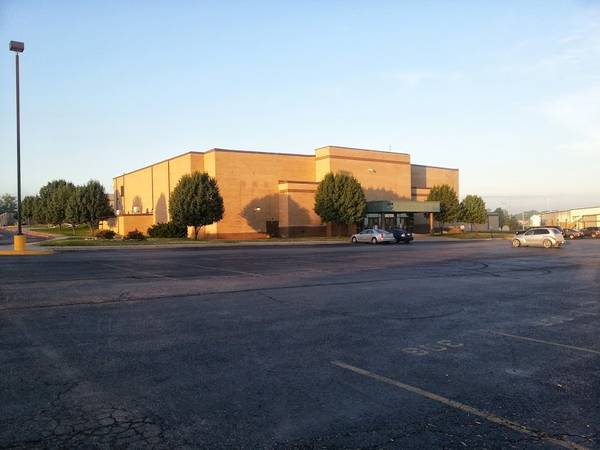 Excelsior Springs High School Gymnasium- Outstading sports facilities!