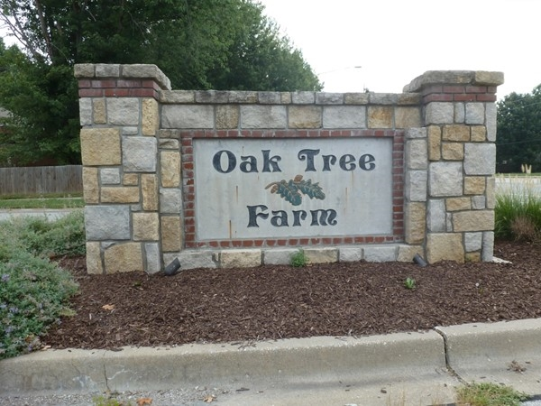 Entrance to Oak Tree Farm