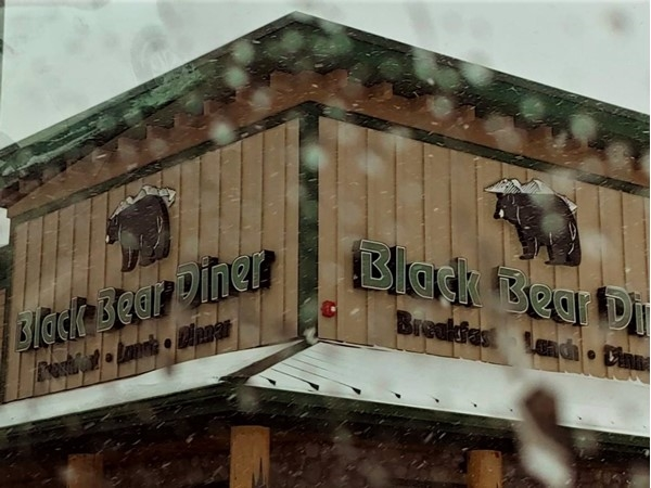 Black Bear Diner just opened up in Independence and specializes in old fashioned family food