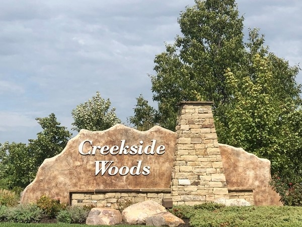 Welcome to Creekside Woods in Lenexa